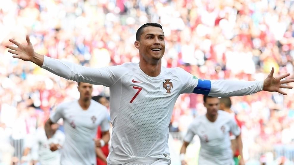 Ronaldo azərbaycanlı futbolçuya çata bilmir