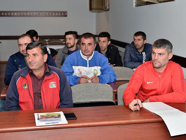 AFFA-nın seminarı yeni, forması köhnə - FOTOLAR