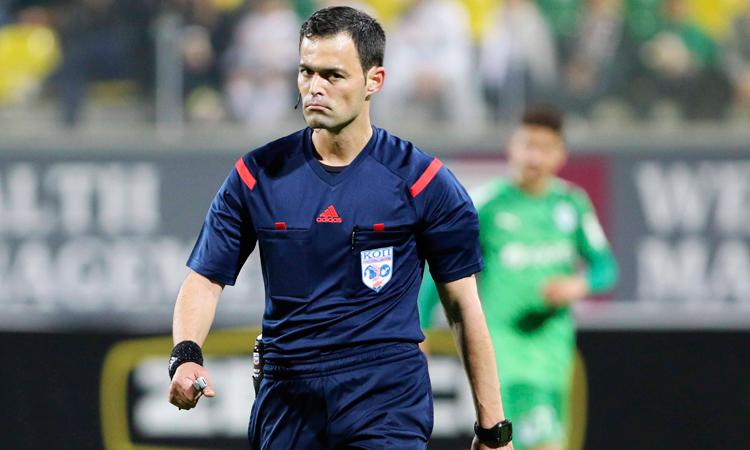 UEFA millimizin oyununu kiprli hakimlərə tapşırdı