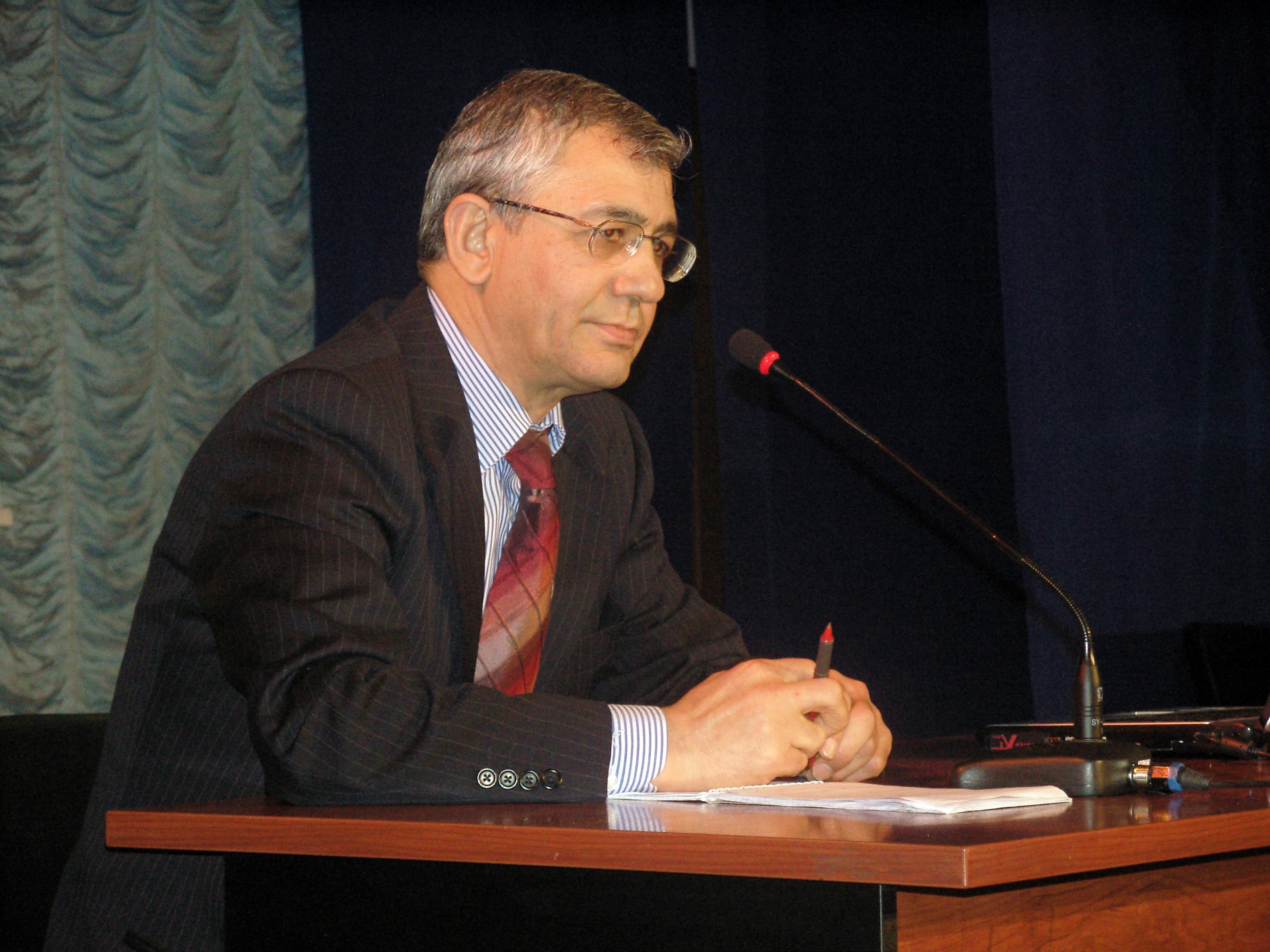 """""""Azərbaycanda futbolun olacağına şübhə ilə yanaşıram"""" - PROFESSOR"""