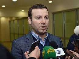 Elxan Məmmədov bütün əxlaq normalarına tüpürdü!