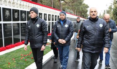 Azərbaycan klubu Şəhidlər Xiyabanında -