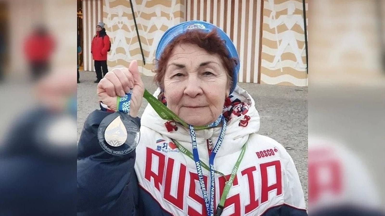 """83 yaşında Avropa çempionu olan """"Qızıl nənə"""" - FOTO"""