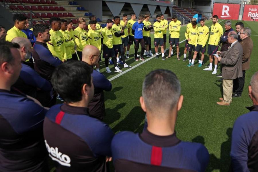 Futbolçular maaşlarının azaldılmasına qarşı çıxdılar