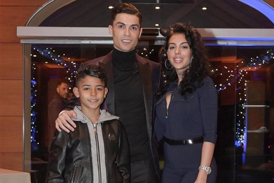 """Ronaldodan çağırış: """"Çalışın kömək edən"""""""