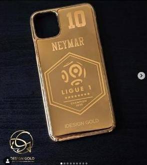Çempionluğa görə qızıl örtüklü telefon alacaqlar - FOTO