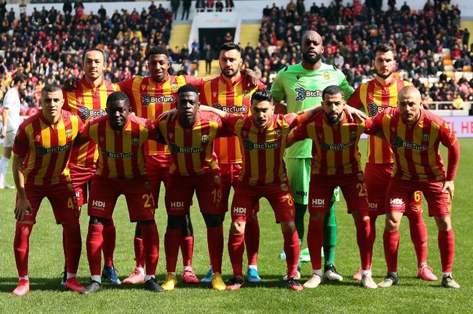 Türkiyə klubunun futbolçusunda koronavirus aşkarlandı