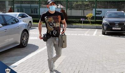 """Qurban Qurbanov maska geyindi, """"Qarabağ""""a 1 saat vaxt ayırdı -"""
