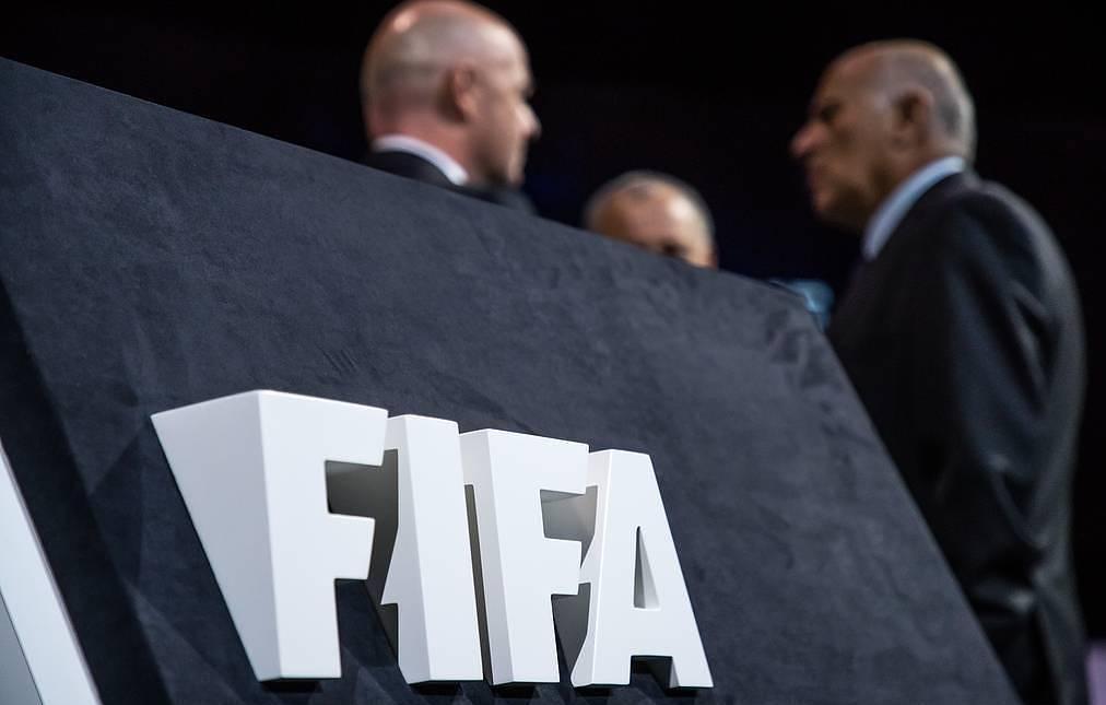 FIFA transferlərə görə cərimələdi -