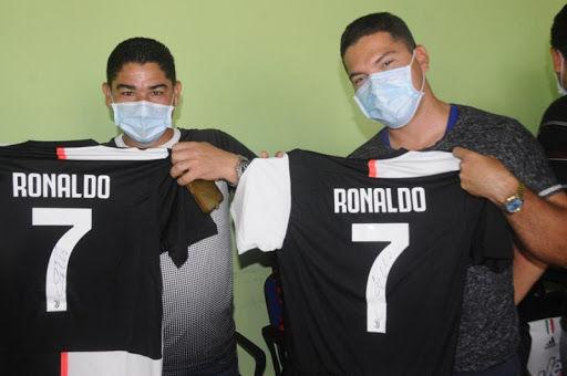Bax, Ronaldo belə oğlandır! - FOTO