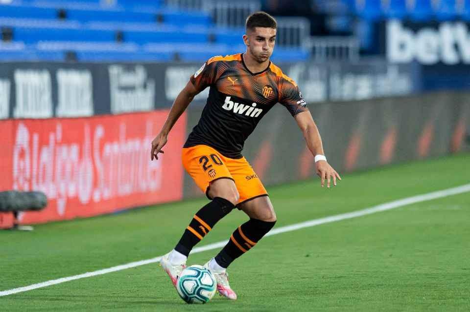 Premyer Liqa klubu Torresin transferini tamamladı