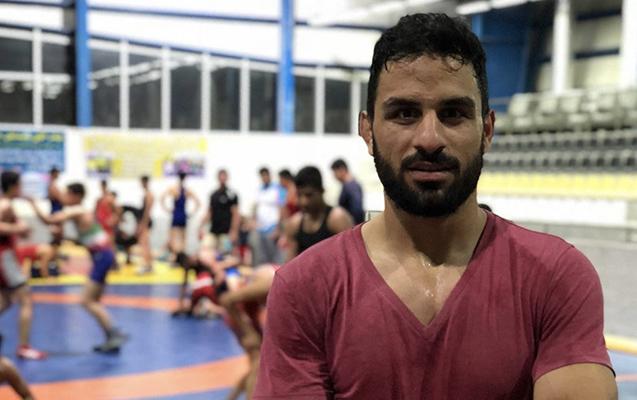 Mühafizəçini öldürən çempion güləşçini edam etdilər - İranda