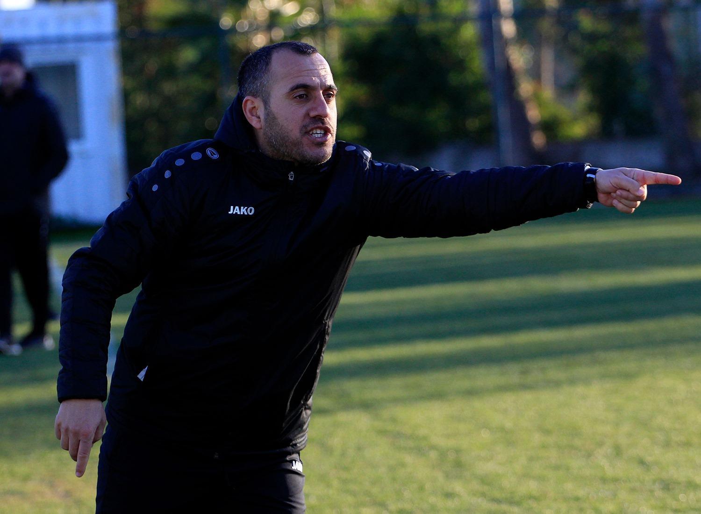 Abbasov futbolçularını qaldırıb dağ başına qoydu
