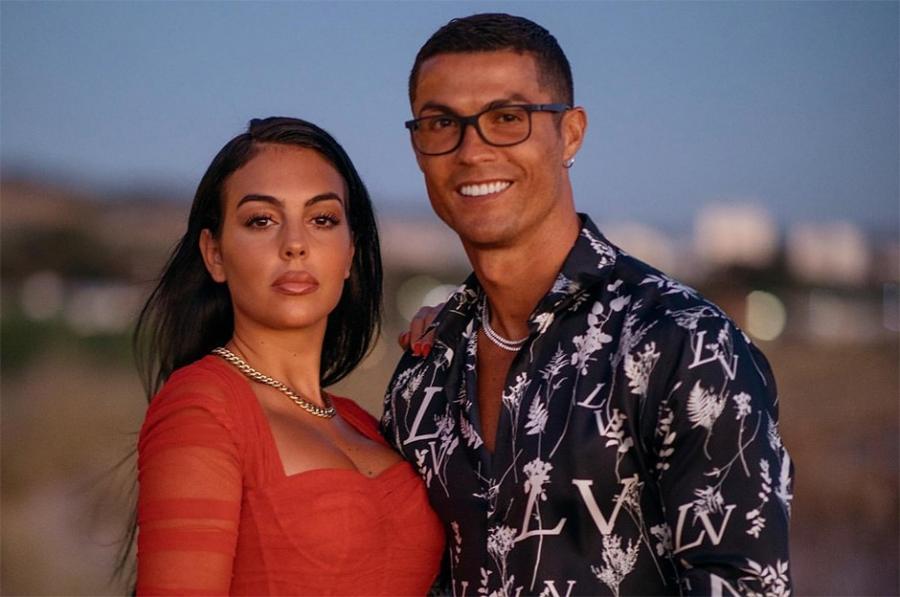 Ronaldo - nişan üzüyünə ən çox pul xərcləyən ilk futbolçu