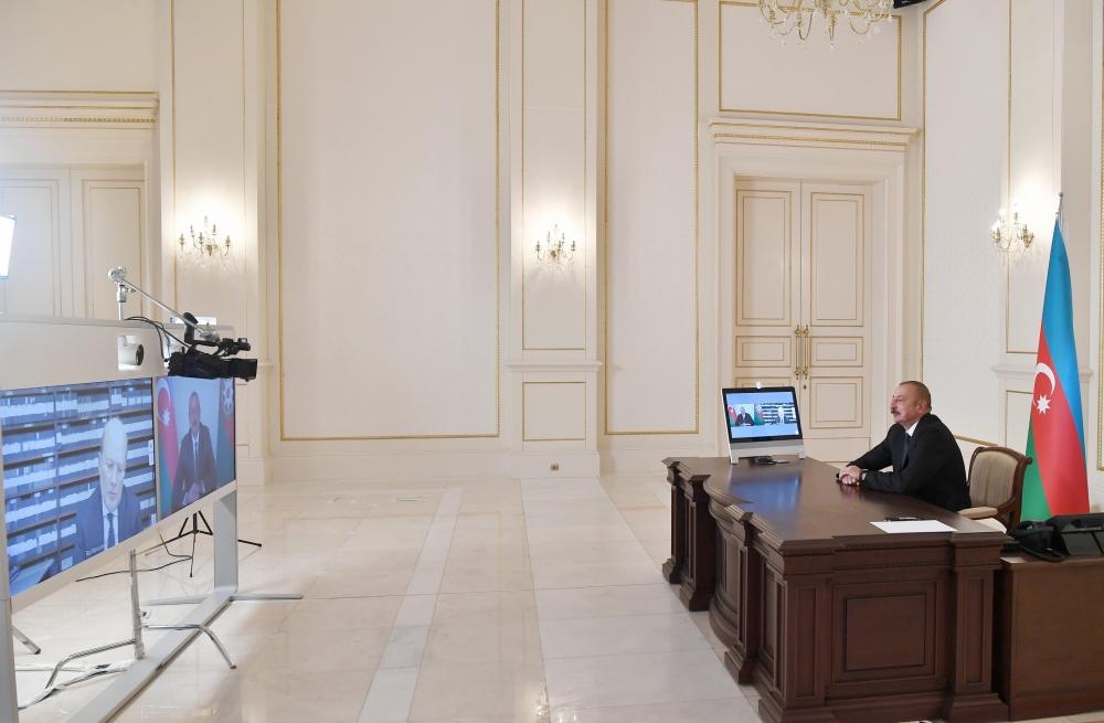 Prezident İtaliya kanalına müsahibə verdi - FOTO