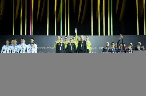 Millimiz AÇ-da 2 medal qazandı - bədii gimnastika üzrə