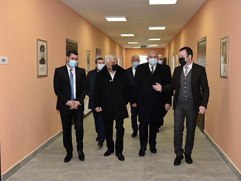 Rövnəq Abdullayev bölgə klubu üçün açılış etdi - FOTOLAR