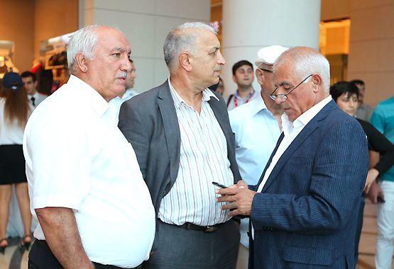 """AFFA rəhbərliyi ilə görüşdü, """"Mən """"Neftçi""""nin prezidenti olmalıyam"""" söylədi"""