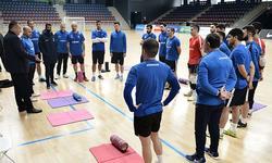 https://www.sportinfo.az/idman_xeberleri/futzal/104473.html