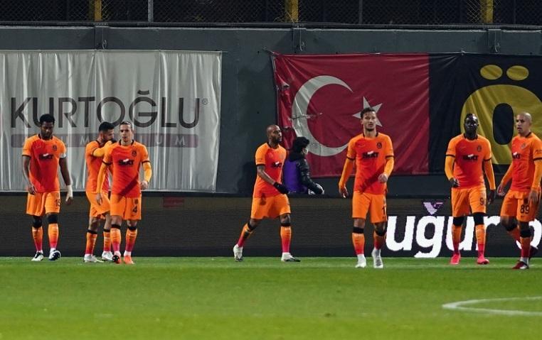 """""""Qalatasaray"""" və """"Beşiktaş""""ın oyununun vaxtı dəyişdi"""