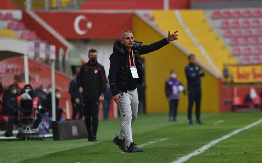 """Türkiyə klubu """"Qarabağ""""dan gedən məşqçiyə tapşırıldı"""
