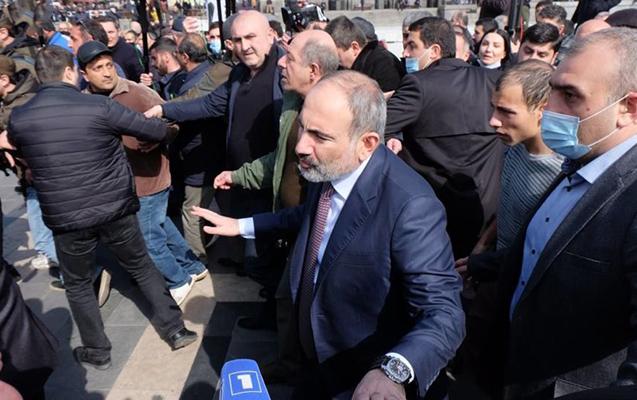 """""""Ermənistanı tərk etməyəcəm, ailəm də burdadır"""" - Paşinyan"""