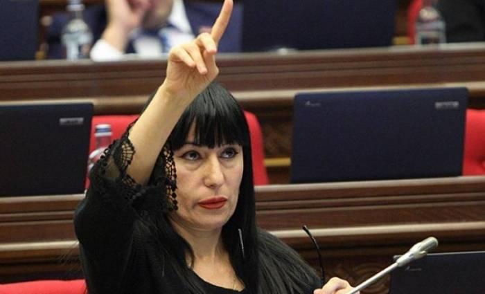 """""""Araik, öz işinlə məşğul ol!"""" – Separatçı rejim rəhbəri """"topa tutuldu"""""""