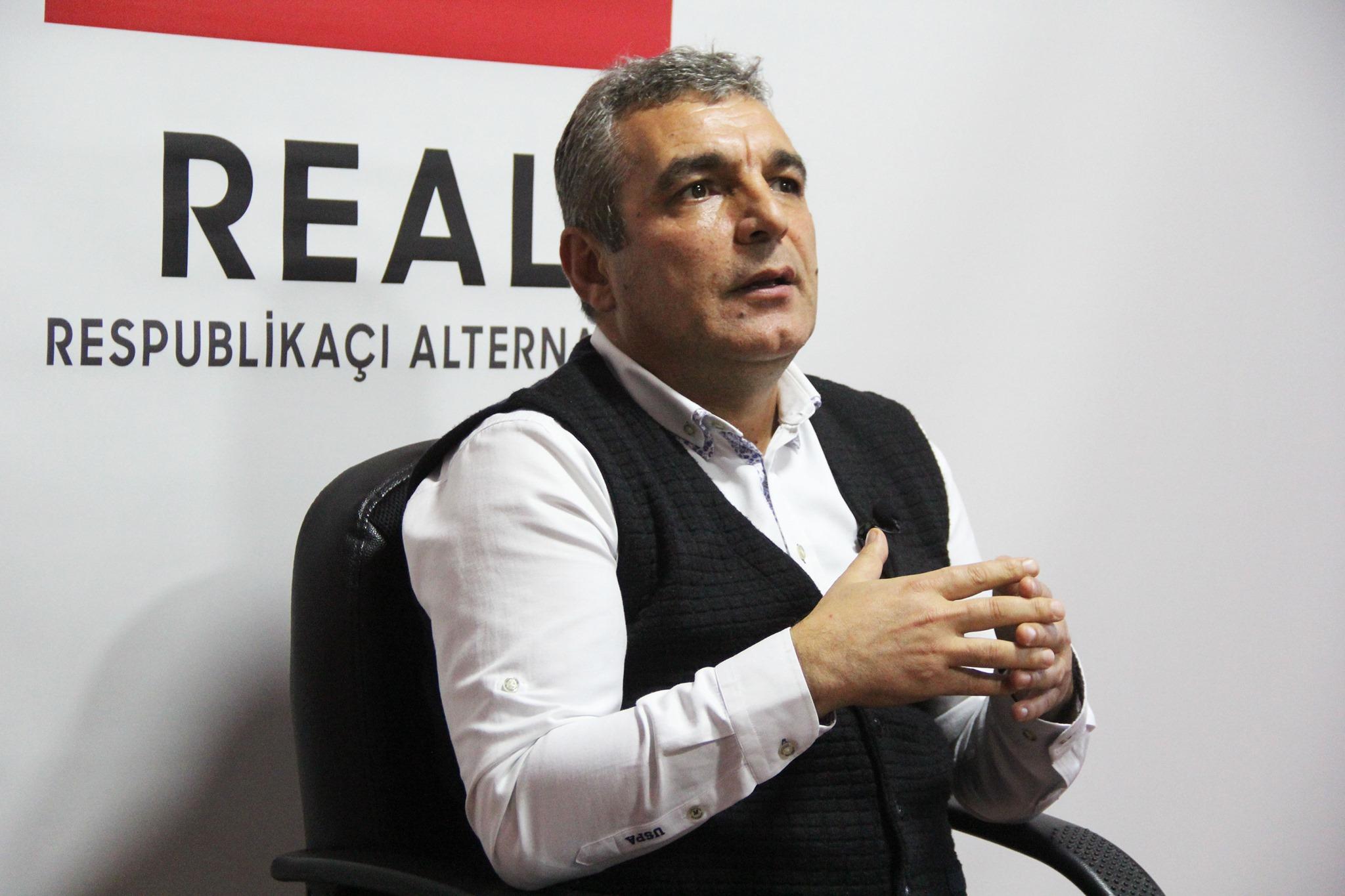 """""""Rövnəq Abdullayev pullarını çəksə, ölkə futbolu batar"""""""