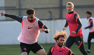 """Baş məşqçi dəyişdi, futbolçuların üzü gülməyə başladı – """"SABAH""""DAN"""