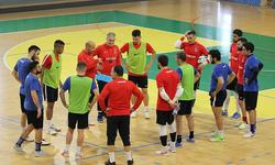 https://www.sportinfo.az/idman_xeberleri/futzal/111418.html