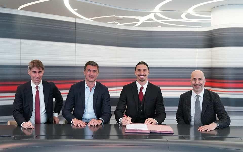 """İbrahimoviç """"Milan""""la yeni müqavilə imzaladı"""