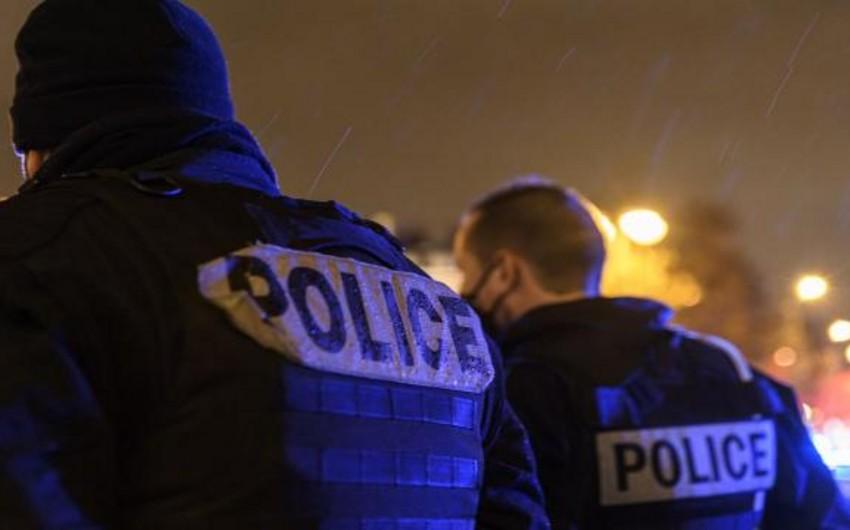 Premyer Liqa klubunun azarkeşi polislər tərəfindən döyüldü - VİDEO