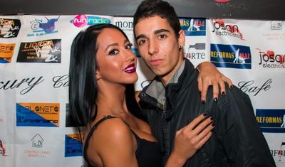 Tanınmış futbolçu model sevgilisi ilə barışdı -