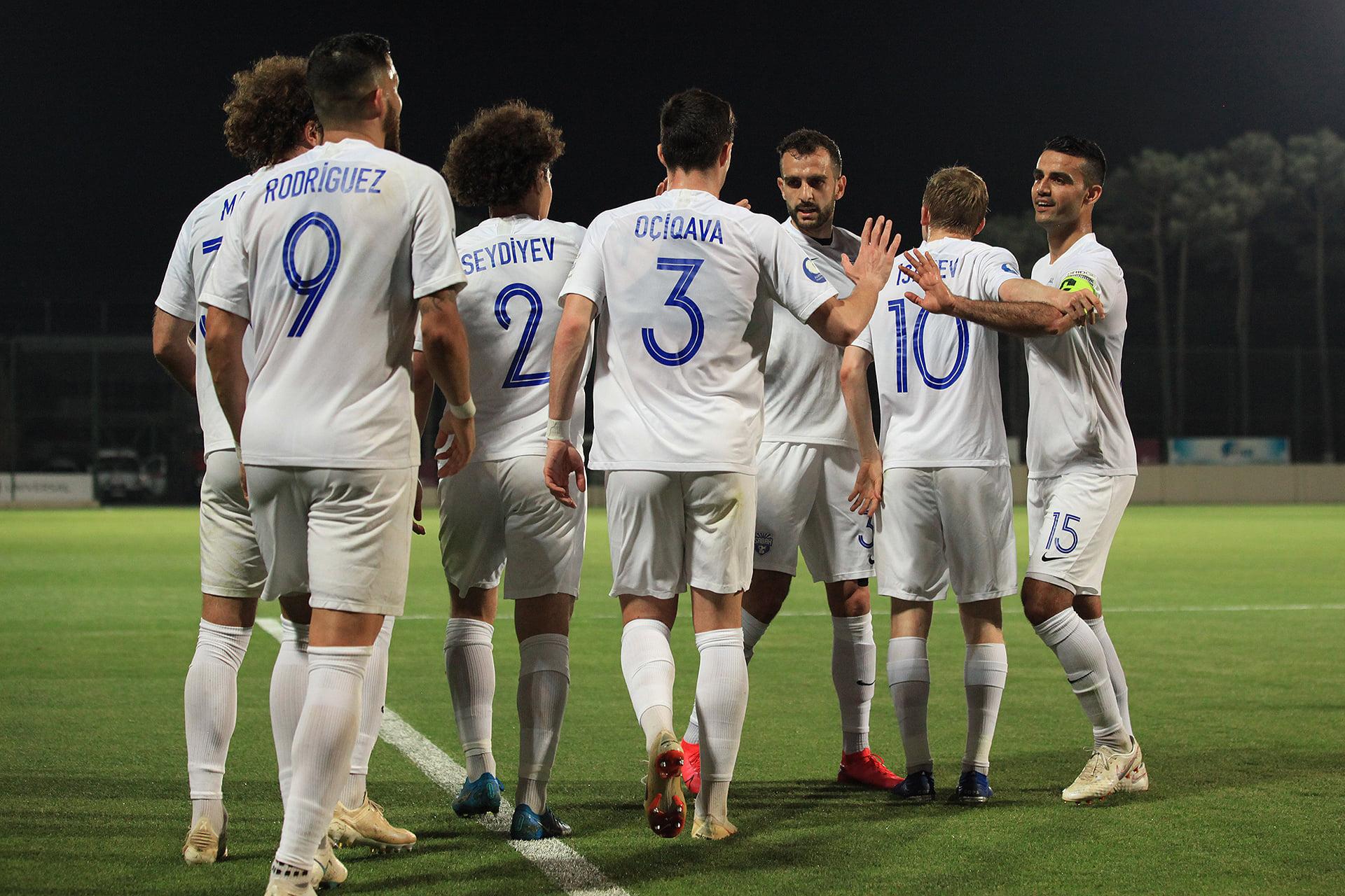 Azərbaycan klubunun məşqçisindən 4000 manatlıq təhqiredici jest