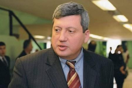 """""""Biz rəsmi olaraq Ermənistana qarşı ərazi iddiaları irəli sürməliyik"""""""