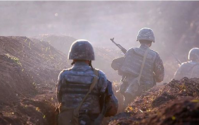 Bakı üç erməni hərbçini sərbəst buraxdı