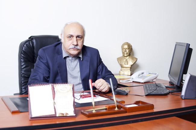 """Eldar Mansurov qalmaqallı açıqlama verdi, """"Qarabağ""""ı komanda saymıram"""" dedi - SƏS YAZISI"""