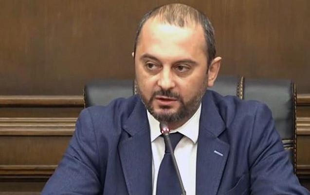 Erməni deputat Qarabağla bağlı çağırış etdi