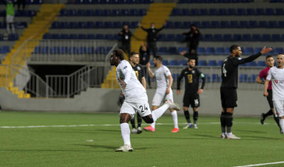 Azərbaycanlı futbolçu al-qan içində -