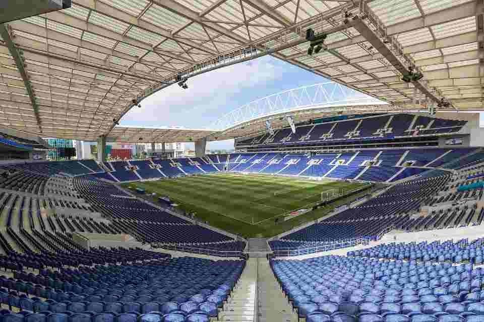 UEFA ÇL finalını Türkiyədən alıb, Portuqaliyaya verdi?