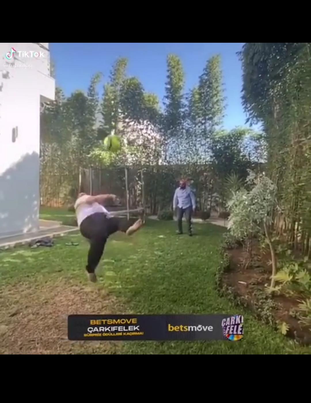 Hamı azərbaycanlı futbolçunun bu VİDEOsundan danışacaq!