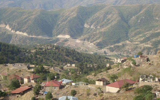 """İki erməni traktorla """"yolunu azaraq"""" Azərbaycana keçdi"""