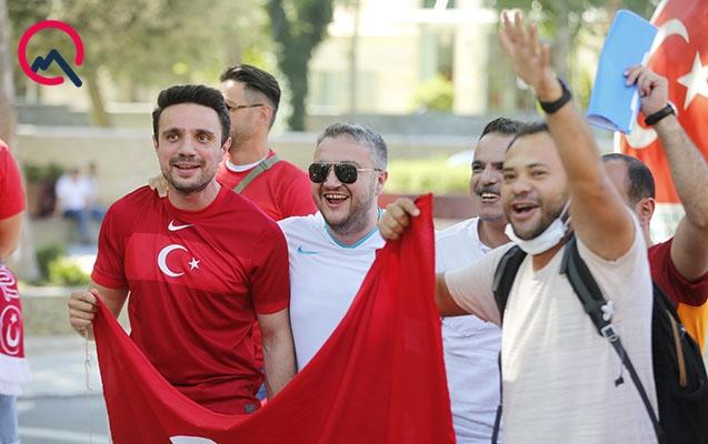Türkiyəni öz evində dəstəkləməyə gələnlər... - FOTOLAR