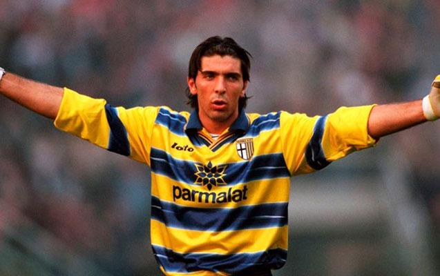 """Buffon 20 il sonra """"Parma""""ya qayıtdı – MARAQLI VİDEO"""