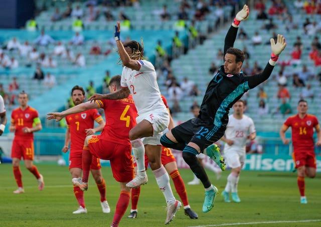 Azərbaycan Avropa futboluna necə xeyir verir?