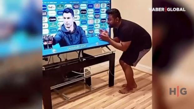 Ronaldonun hərəkəti sosial şəbəkədə trendə çevrildi - VİDEO