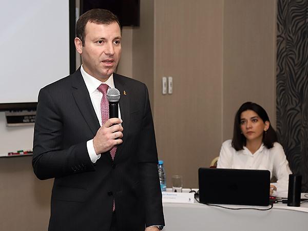 Elxan Məmmədov Premyer Liqa məşqçisini necə müdafiə etdi?