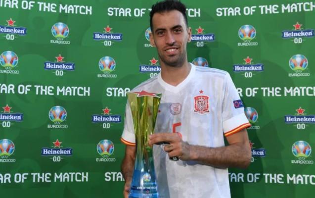 Avro-2020-də ilk oyununa çıxdı, ən yaxşı futbolçu seçildi