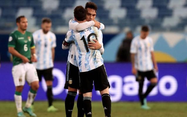 Messi dubl etdi, Argentina lider oldu - VİDEO