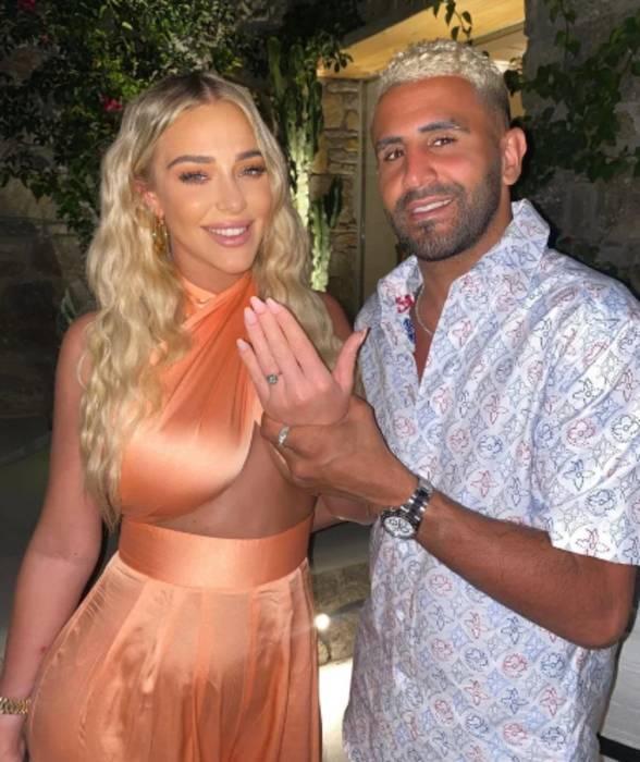 Məşhur futbolçu sevgilisinə 450 min avroya üzük aldı, evlilik təklif etdi - FOTOLAR